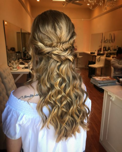 18 Stunning Naturally Curly Hairstyles for Prom You'll Love