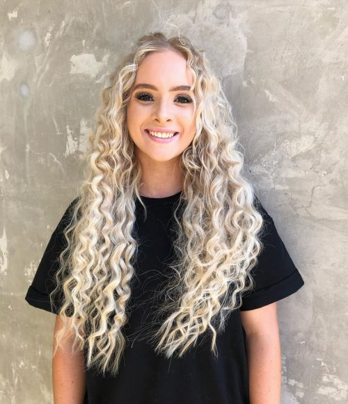 16 Gorgeous Examples of Blonde Curly Hair
