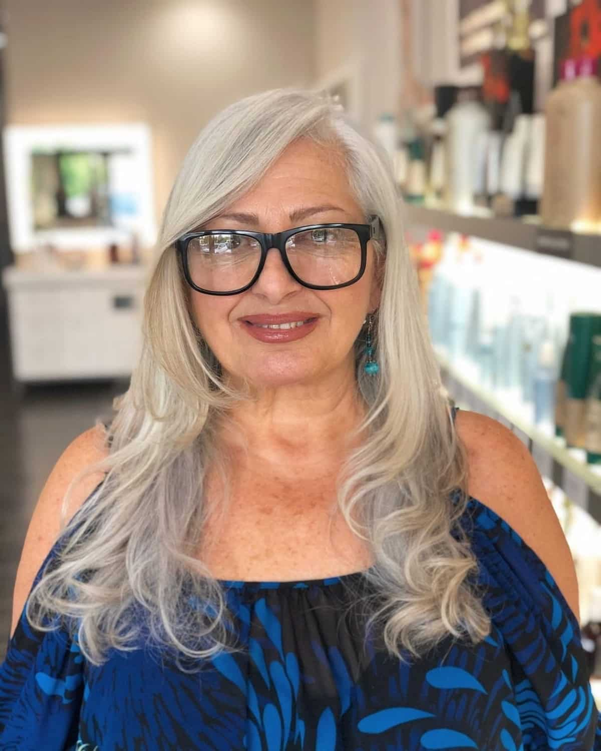 16 Most Slimming Hairstyles for Women Over 50 with Round Face Shapes
