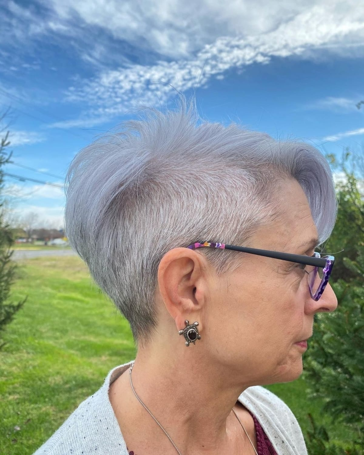 21 Most Flattering Pixie Cuts for Older Ladies with Glasses
