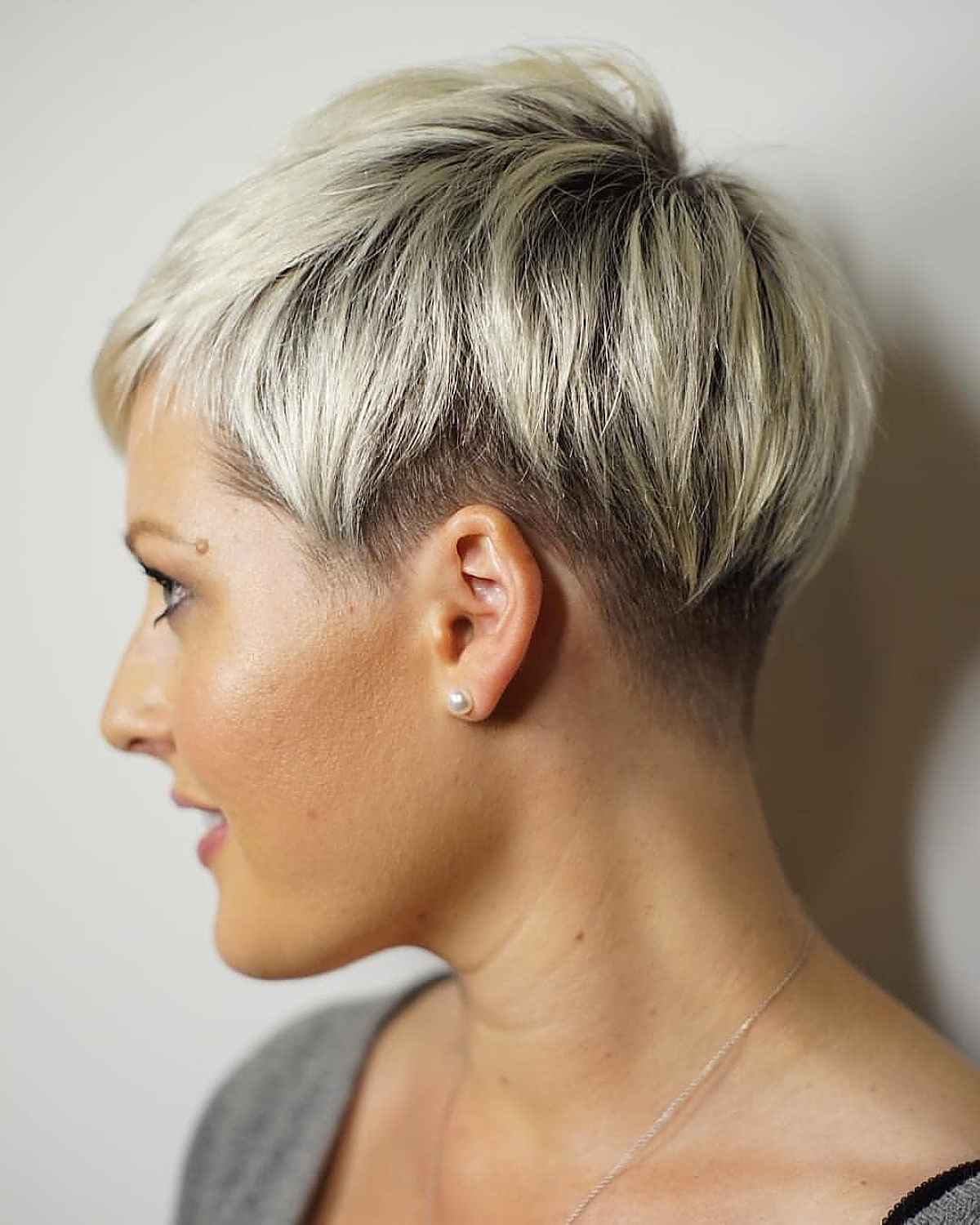 26 Very Short Pixie Haircuts for Confident Women
