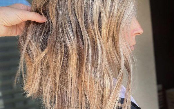 "24 Trendiest Long Blunt Bob Haircuts for a Sleek New ""Blunt Lob"""